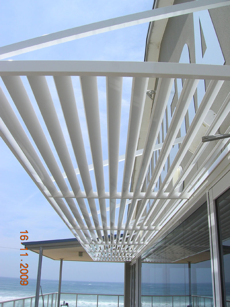 arm-supported-awning-sydney.jpg