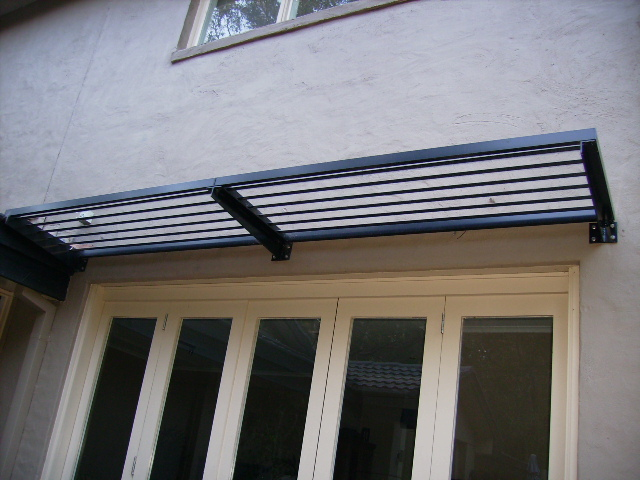 awning-cantiilevered-sydney.jpg